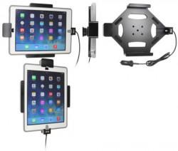 Support Apple iPad Air sécurisé avec adaptateur allume-cigare et cable USB. Pour appareil avec étui OTTERBOX DEFENDER. Réf Brodit 553600