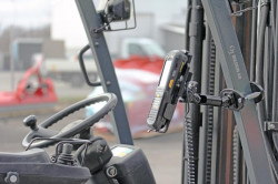 Fixation chariot élévateur sur montant carré - résistance maxi - Réf 247115