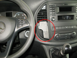 Fixation voiture ProClip Mercedes-Benz Vito SEULEMENT pour boîte de vitesse manuelle - Ref 855220