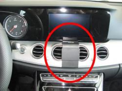 Fixation voiture Mercedes Benz Classe E. Réf Brodit 213538