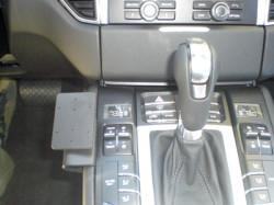 Fixation voiture Proclip  Brodit Porsche Macan Réf 835012