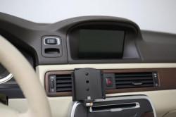 Support voiture OnePlus 6/6T/7 avec adaptateur allume-cigare et cable USB. Réf Brodit 721059