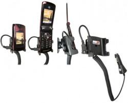 Support voiture  Brodit Motorola RAZR2 V9  avec chargeur allume cigare - Avec rotule orientable. Réf 965181
